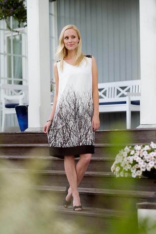 April lagersalg kjole med tr r